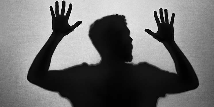 Attacchi di panico: cosa fare, sintomi, cause, terapia